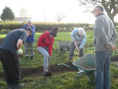 Figure 4 - Community Team at Hessay opening up a second trench. (Image Copyright - YAT 2010)