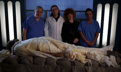 Joann Fletcher and Stephen Buckley with Prof. Peter Vanezis (Far Left) and Maxine Coe (Far Right) (Image Copyright: Dr. J. Fletcher / Channel 4)