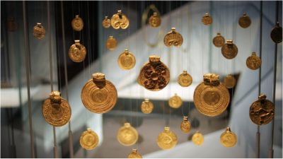 Number 3: Gold pendants displayed at the Museum of Antiquities in Leiden, the Netherlands. Photographer: Rianca Vogels, University of York (69 points)