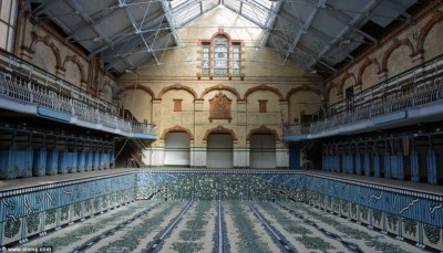 Figure 1. Victoria Baths in Manchester (Image obtained from: http://www.dailymail.co.uk/news/article-2412293/Manchesters-Victoria-Baths-10-years-winning-3million-funding-BBC-Restoration.html).