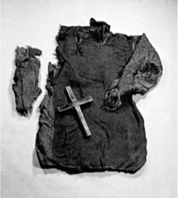 Figure 4: Clothing materials excavated from the site of Guddal (Nordeide and Thun 2013, 187).