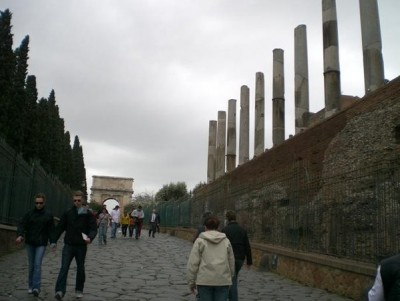 View up the Via Sacra showing the Temple of Roma and Venus (credit: author).