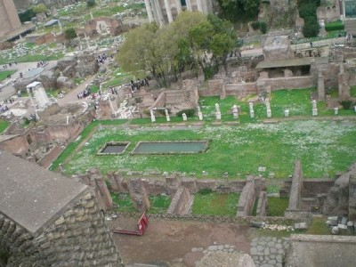 Aerial view of the Forum showing the proximity of the Temple of Vesta, the House of the Vestals, the Temple of Antinous Pius and Faustina and the Temple of Romulus.